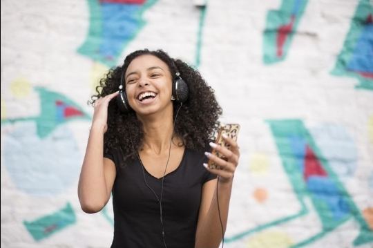 How to access online radio stations in Ghana.